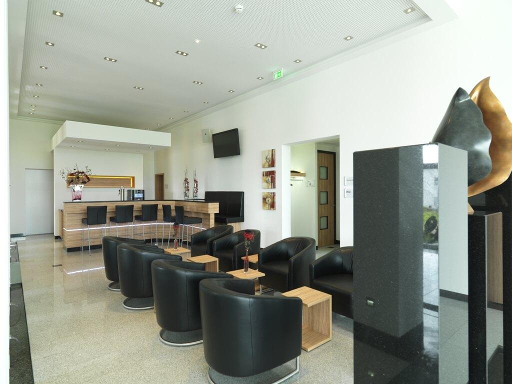 Empfangs und Loungebereich des 3G Ladungssicherungs-Gebäude | 3G ...