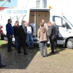 Erfahrungsaustausch über korrekte Ladungssicherung in einem Kleintransporter